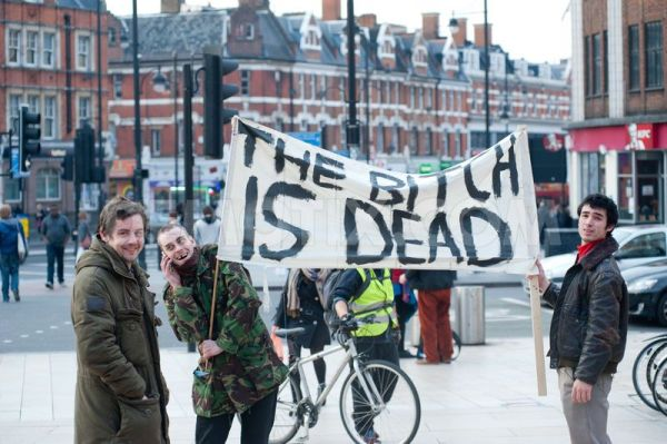 1365449962-people-gather-in-brixton-to-celebrate-the-death-of-margaret-thatcher_1942776