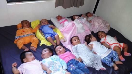 Nauru-babies
