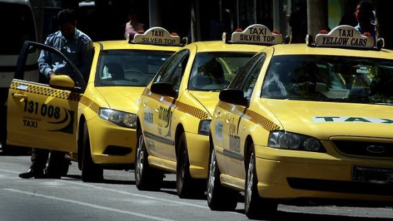 494501-taxis